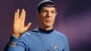 寫財經多年反而對其他題材感興趣,包括冼樸。不少80、90後對冼樸陌生,什麼LLAP、什麼Vulcan salute,完全未聽過。冼樸「生於」1966年、仍然充滿種族歧視的美國,特別在他的身份,半地球人半火星人。除了練極都練唔到的Vulcan salute手勢,我對冼樸無特別感情,不過非常喜歡他的「遺言」:「A life is like a garden.Perfect moments can be had, but not preserved, except in memory.LLAP.」所以借此向他致敬。