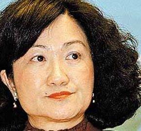 不滿被指獲社團支持 葉劉「兇」記者